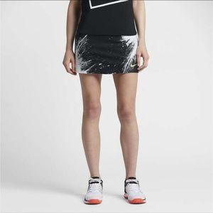 Nike court power spin black and white tennis skirt